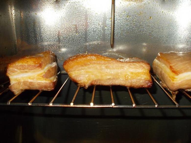燻製でパンを焼く