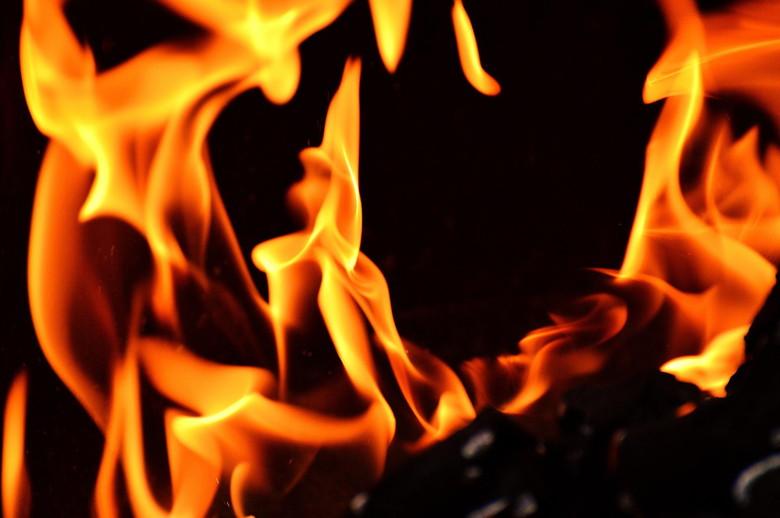 メラメラ燃えるファイヤー