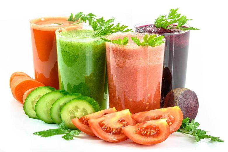 食事以外にも野菜ジュースが栄養あるよ
