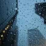 梅雨のオフィス街
