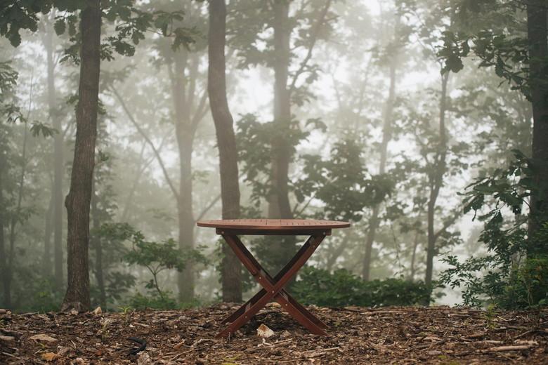 森にたたずむ自作テーブル
