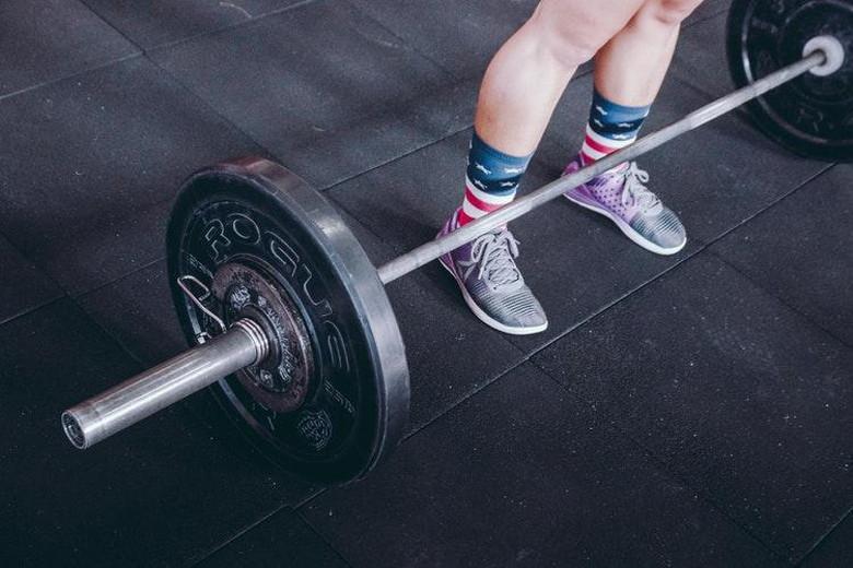 バーベルで筋肉をつけて代謝をあげる